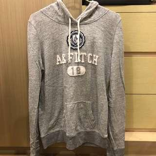 🚚 Abercrombie and Fitch 灰色薄款長袖帽T M號