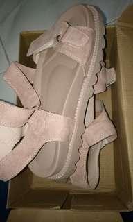 Sandal platform