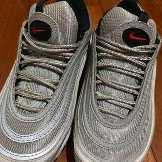 Nike 銀彈