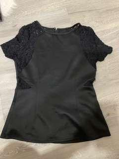 🚚 Ohvola lace sleeves TOP size L