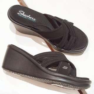 New - Skechers women sandals