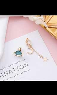 🚚 Space Earrings