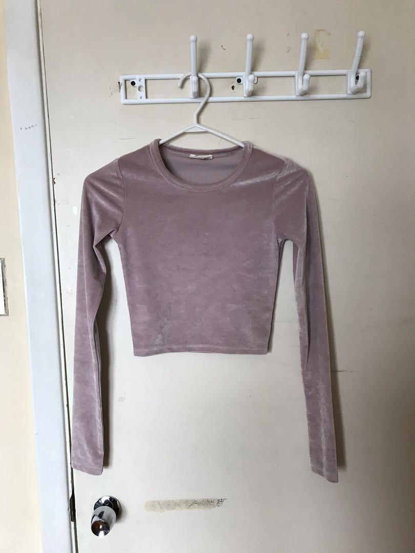 Aritzia Wilfred Free Velvet Long Sleeve Crop Top