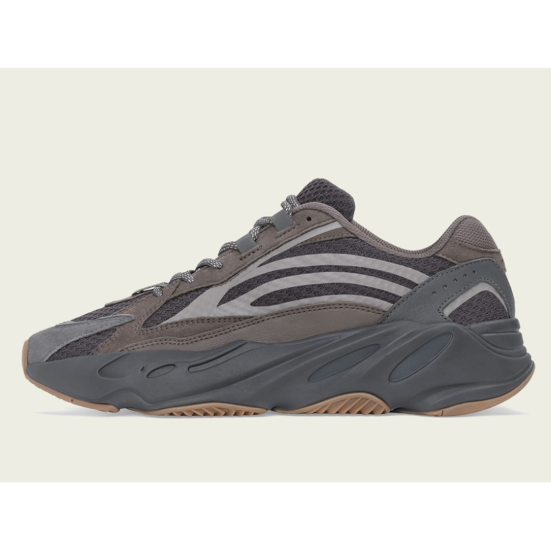 380d8a1752176 Authentic Adidas Yeezy 700 V2 Geode