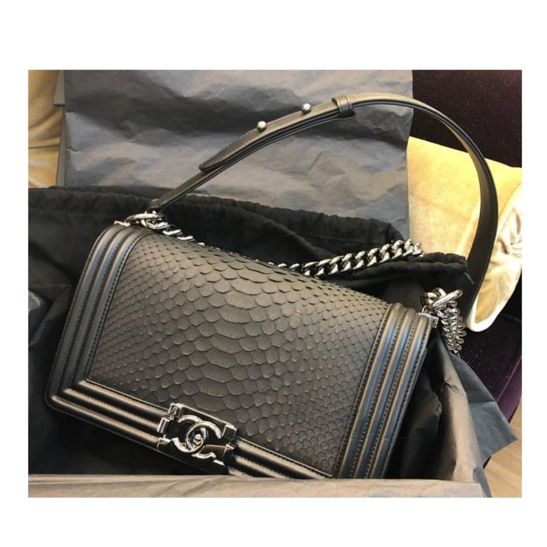 683eea9a7f1cce Authentic Chanel Boy Medium Python Flap Bag, Barangan Mewah, Beg dan Dompet  di Carousell