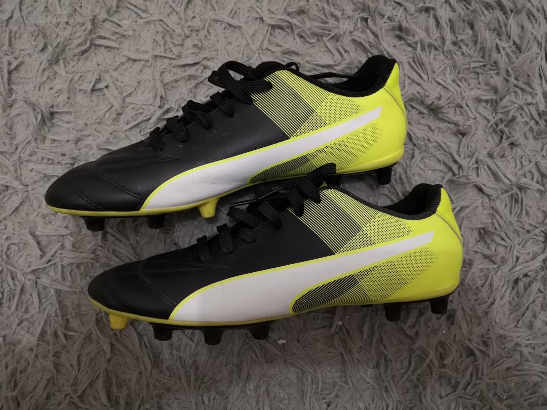 Kasut Bola (But Bola Sepak) Puma Power
