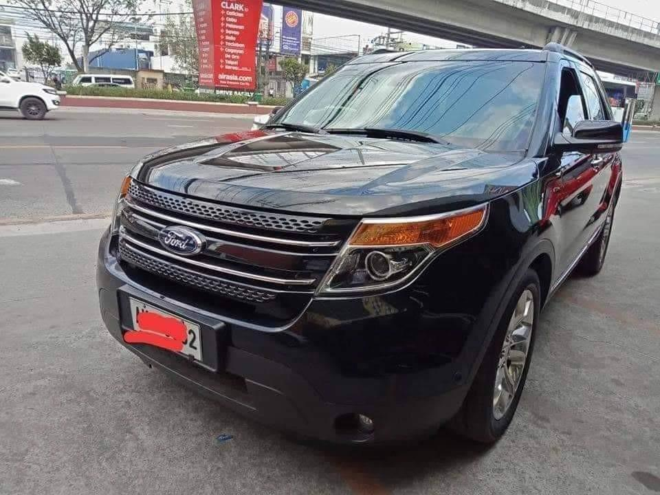 (Negotiable and No issues) 4×4 2014 Ford Explorer ( maintained solely by Ford - with records)