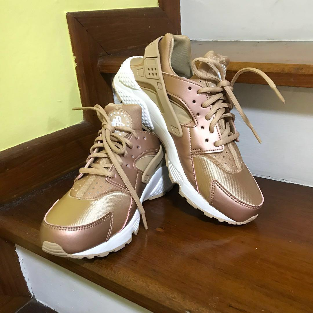 online store 49032 9757d Nike Air Huarache Rose Gold (Women), Women's Fashion, Shoes ...
