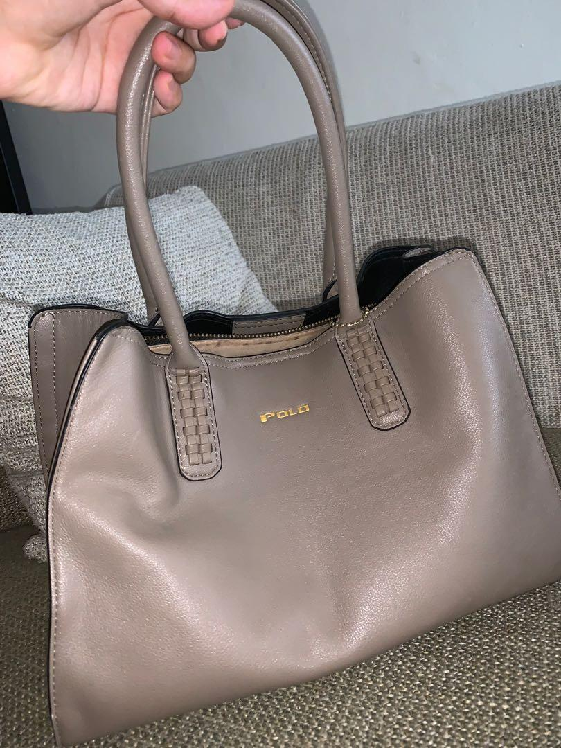 Original polo club bag..Normal price RM185..Good leather material.only used sometimes.The price including postage
