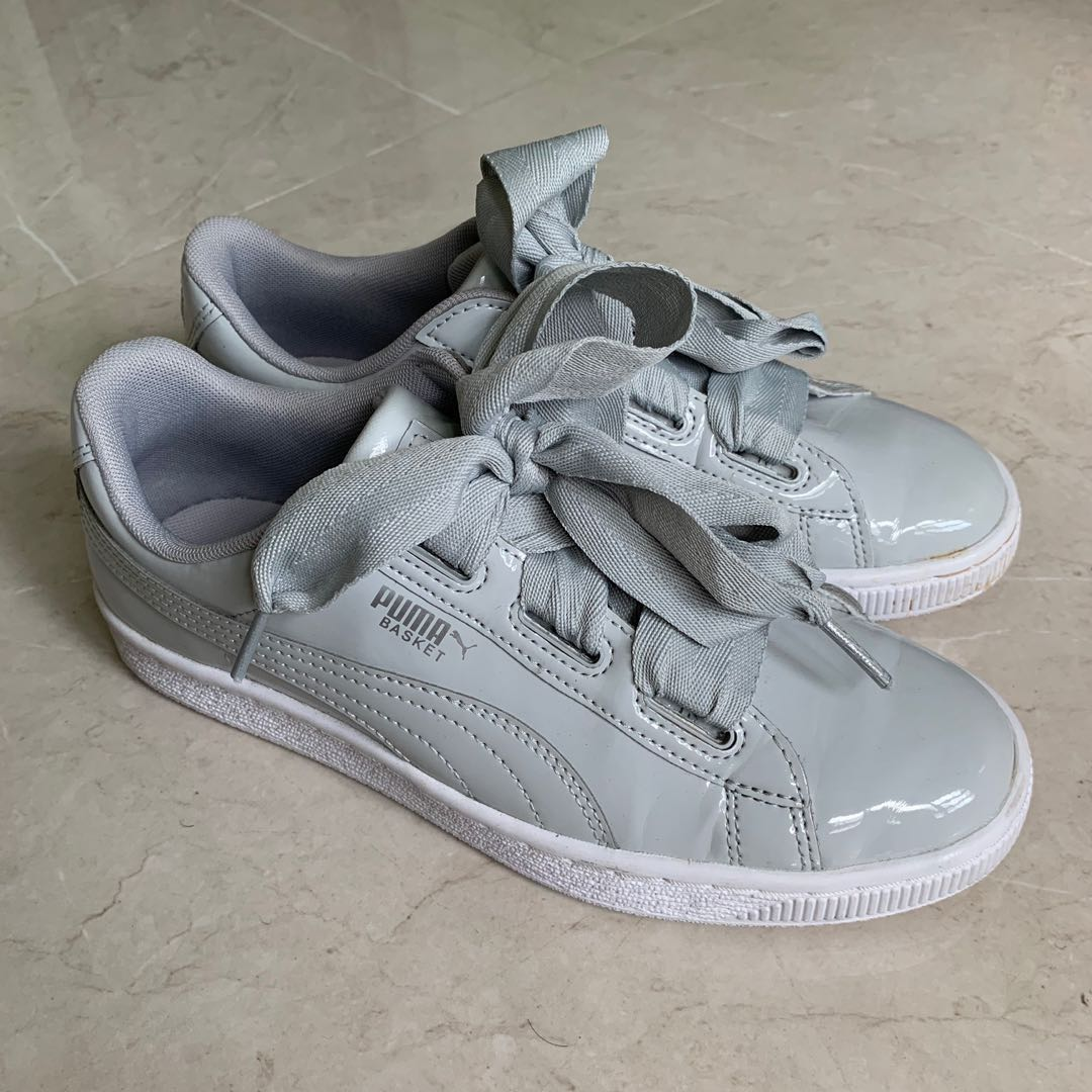 detailed look 1d71c a4828 Puma Basket Heart, Women's Fashion, Shoes, Sneakers on Carousell