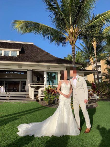 Stunning custom made beaded wedding dress (size 4)
