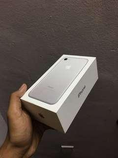 Box iphone 7 (box only)
