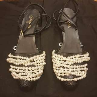Like New Authentic Chanel pearl shoes flats size 37
