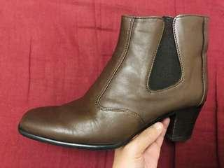Brown Genuine Leather Boots [size 6]