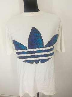 Vintage adidas t shirt big logo