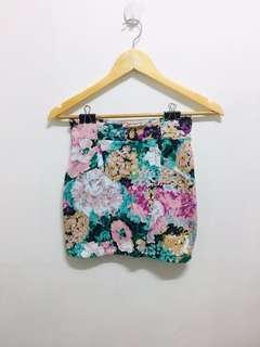 Bundle Cotton on skirt