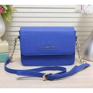 🚚 Women's Michael Kors Leather Messenger Bag