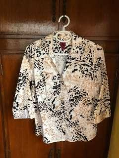 Black and white printed blouse with collar