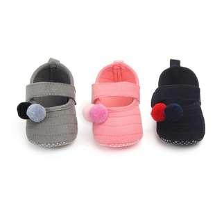 🚚 🌟PM for price🌟 🍀Cute Cotton Ball Baby Girl Soft Sole Non Slip Shoes🍀
