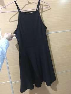 🚚 黑色性感修身細肩洋裝