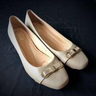 Brand New Women Shoes/Office wear/Beige/ Covet