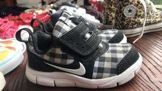 Nike anak