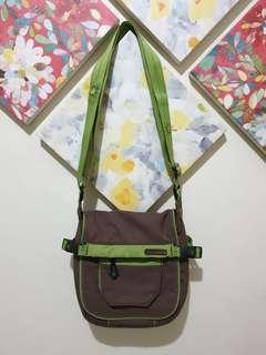 Pre-loved UNITED COLORS OF BENETTON Crossbody Bag