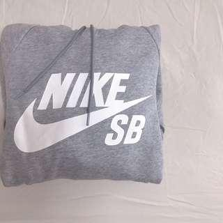 Nike SB 帽T