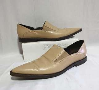 EMPORIO ARMANI Leather Pointed Close Shoes Size 35 1/2