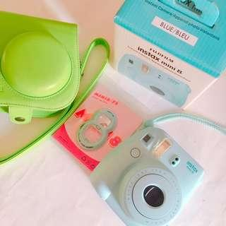 Fujifilm Instax Mini 8 + accessories