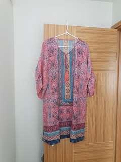 新款 100% 真絲民族風 靚圖案連身裙