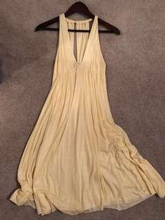 Diane Von Furstenberg plunging neckline size 0