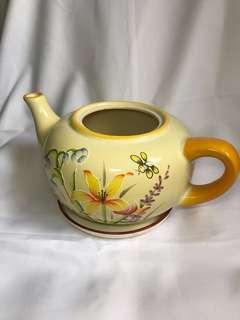 [FREE DELIVERY WITHIN CCK] Ceramic Tea Pot