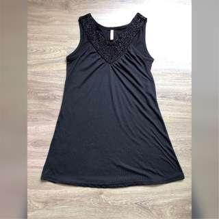 Top Black Beads Sleeveless / Atasan Manik-manik hitam