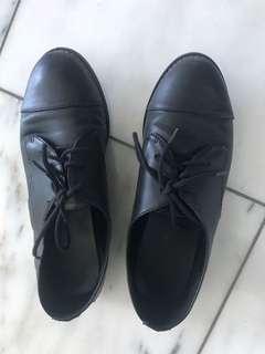 Aldo dress shoes size 5!