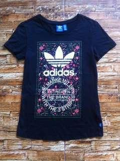 T Shirt Adidas Admirable Floral Tongue Print