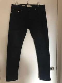 Stretch skinny black jeans