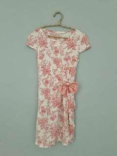 dress bunga peach