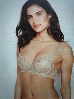 🚚 Victoria's Secret Demi bra