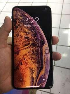 iPhone XsMax 64gb Globelocked Rush Sale