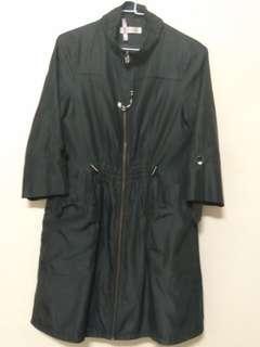 🚚 黑色防水風衣