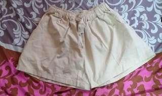 米白色裙褲