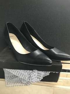 Novo Kitten Heels Black size 11