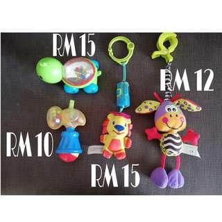 Toys (rattles, hanging toys)