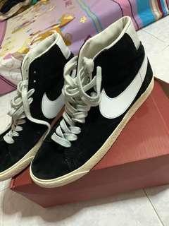 🚚 Nike blazer mid