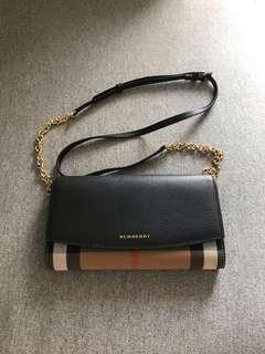 Burberry Sling wallet