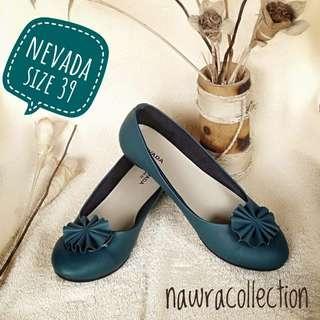 Sepatu wanita NEVADA size 39
