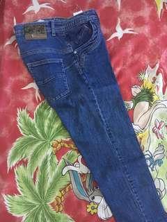 Celana jeans warna dongker morphidae
