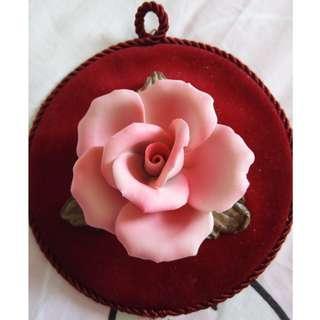 Elegant Rose wall hanging deco