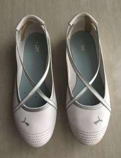 Original Puma women's slip on sneakers